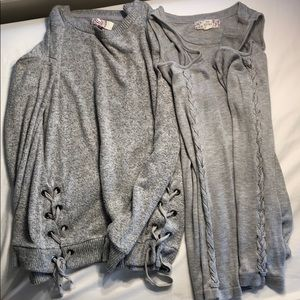 Set of 2 gray sweaters